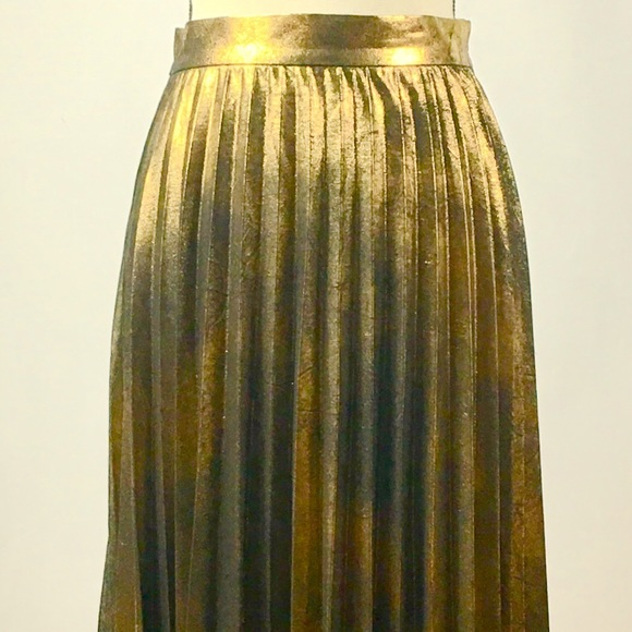 Zara Dresses & Skirts - Zara Bronze Gold Pleated Midi Skirt